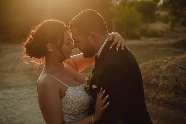 summer-wedding-village-cyprus-romantic-details_03