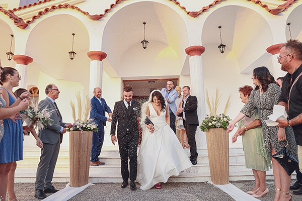 Bohemian φθινοπωρινός γάμος στη Ξάνθη με λευκές και μωβ αποχρώσεις│ Στεφανία & Βασίλης