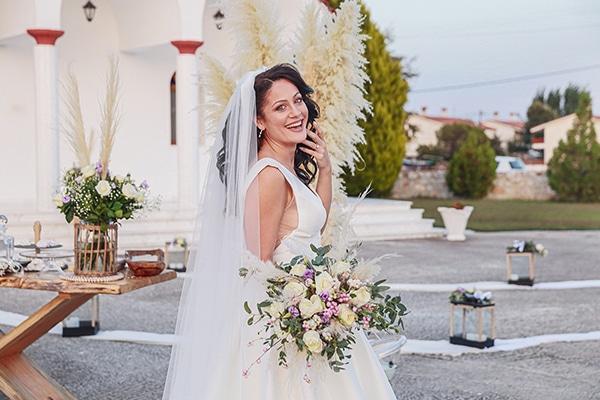 bohemian-fall-wedding-xanthi-white-purple-hues_01x