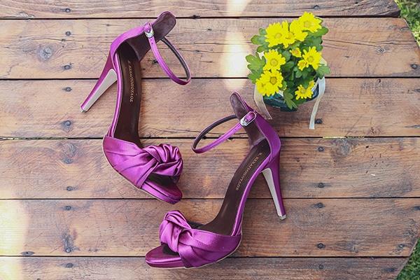 bohemian-fall-wedding-xanthi-white-purple-hues_03