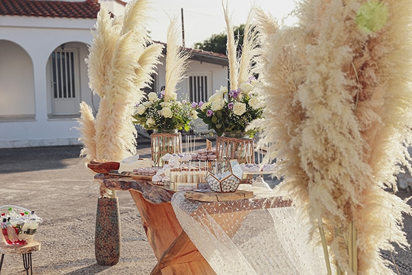 bohemian-fall-wedding-xanthi-white-purple-hues_04x