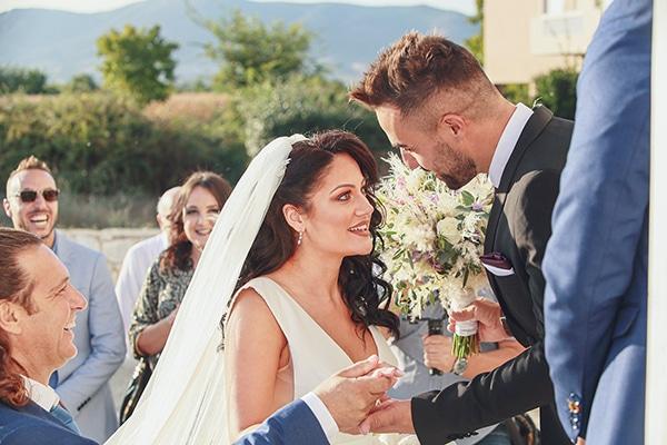 bohemian-fall-wedding-xanthi-white-purple-hues_14