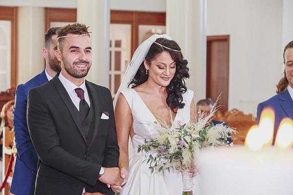 bohemian-fall-wedding-xanthi-white-purple-hues_15