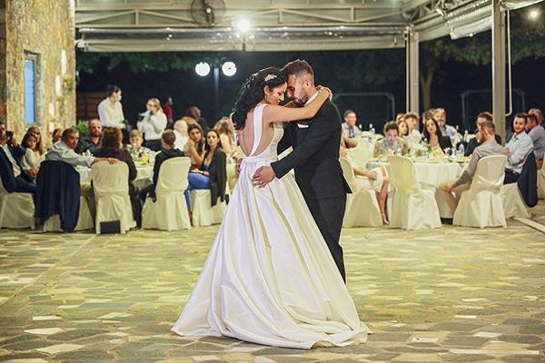 bohemian-fall-wedding-xanthi-white-purple-hues_24