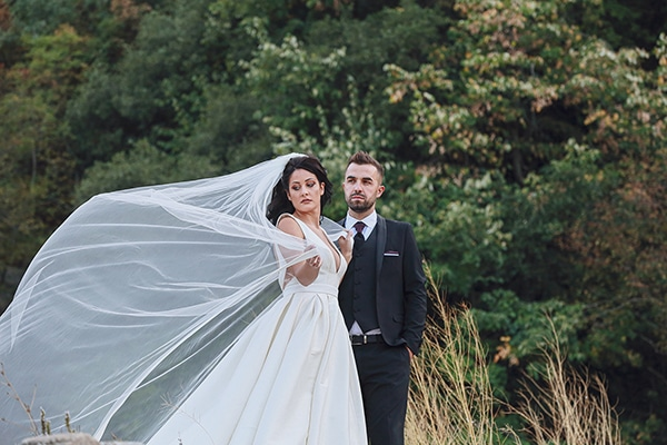 bohemian-fall-wedding-xanthi-white-purple-hues_26x
