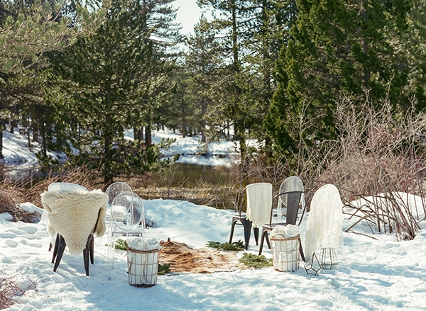 dreamy-winter-styled-shoot-snow-cozy-details_06