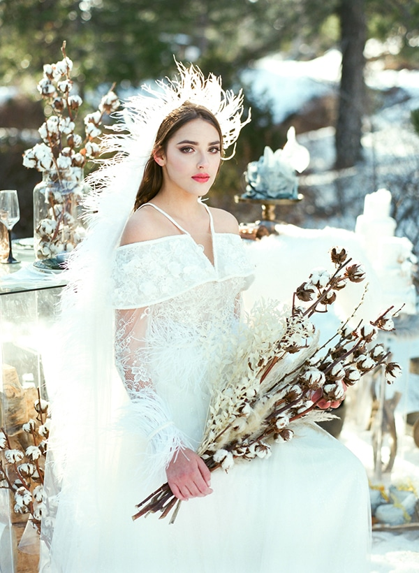 dreamy-winter-styled-shoot-snow-cozy-details_08x
