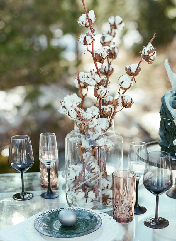 dreamy-winter-styled-shoot-snow-cozy-details_19x