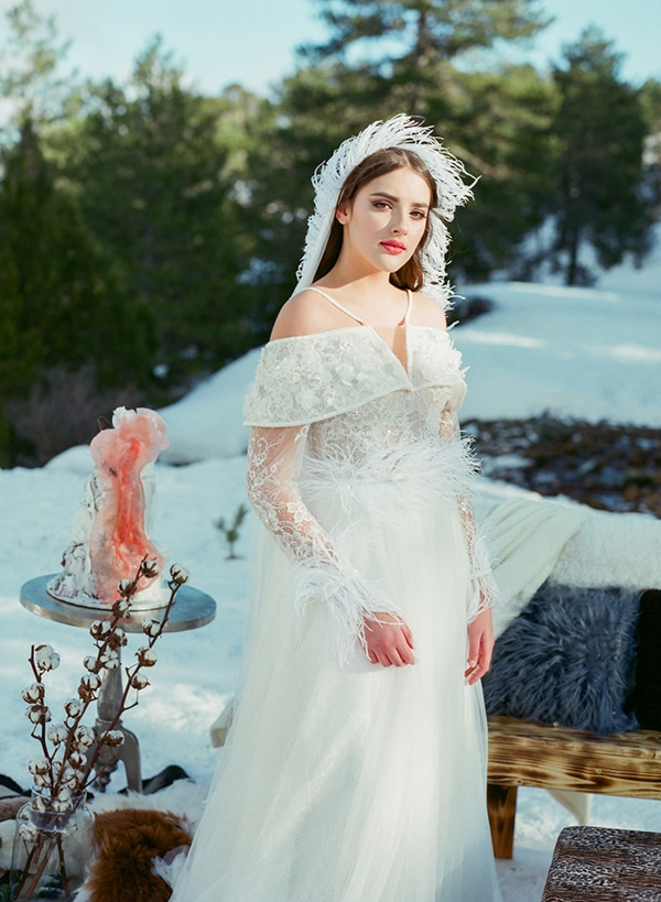 dreamy-winter-styled-shoot-snow-cozy-details_23x