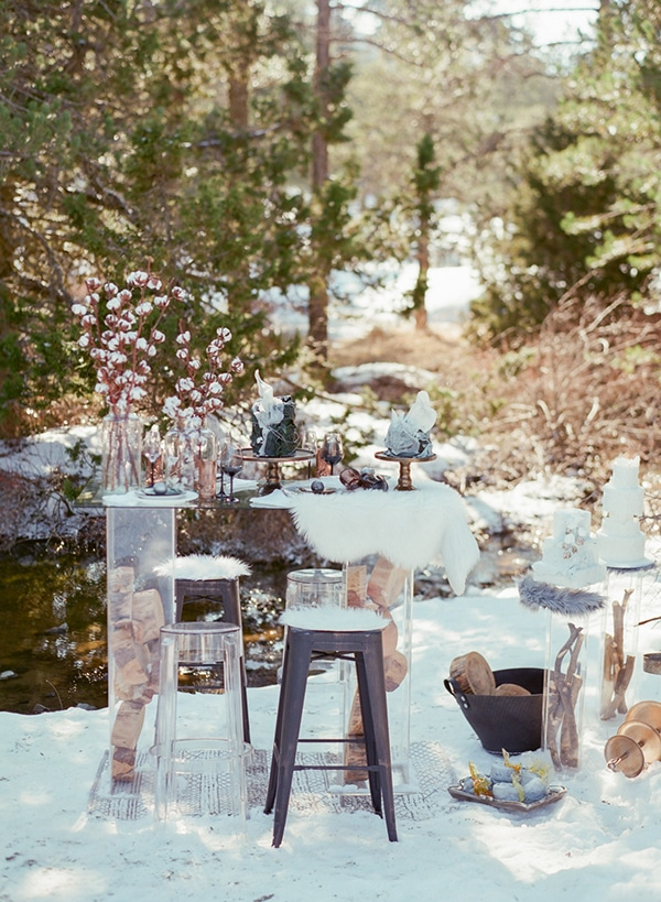 dreamy-winter-styled-shoot-snow-cozy-details_25