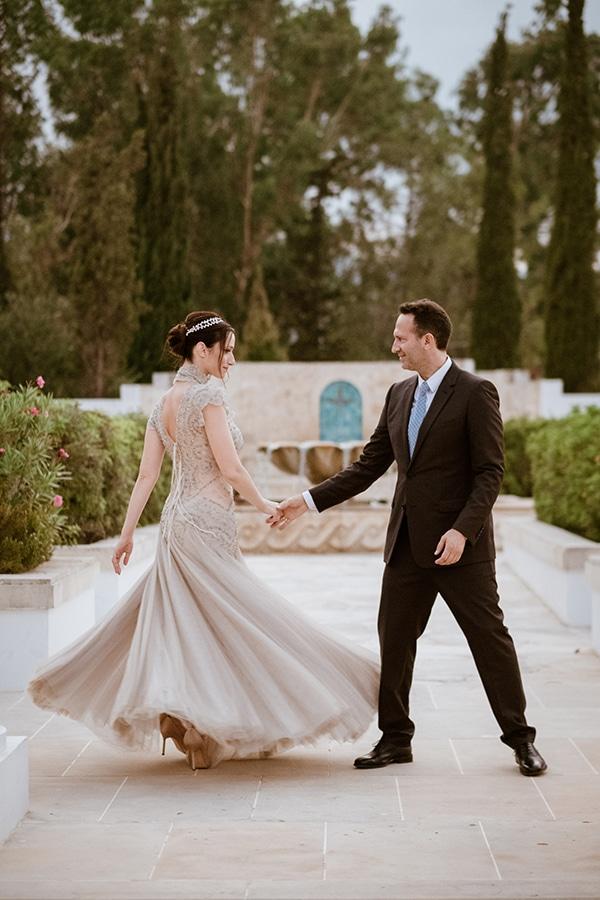 Φθινοπωρινός γάμος στην Πάφο με λευκές και απαλές ροζ πινελιές │ Eλένη & Δημήτρης
