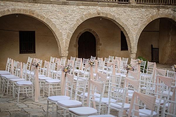 fall-wedding-paphos-white-pastel-pink-details_07x