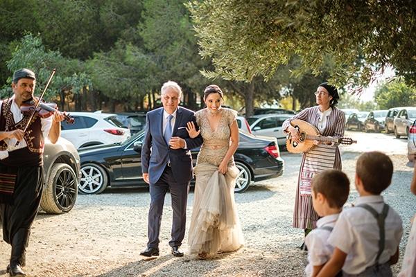 fall-wedding-paphos-white-pastel-pink-details_11
