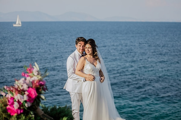 romantic-summer-wedding-kefalonia-bougainvillea_01