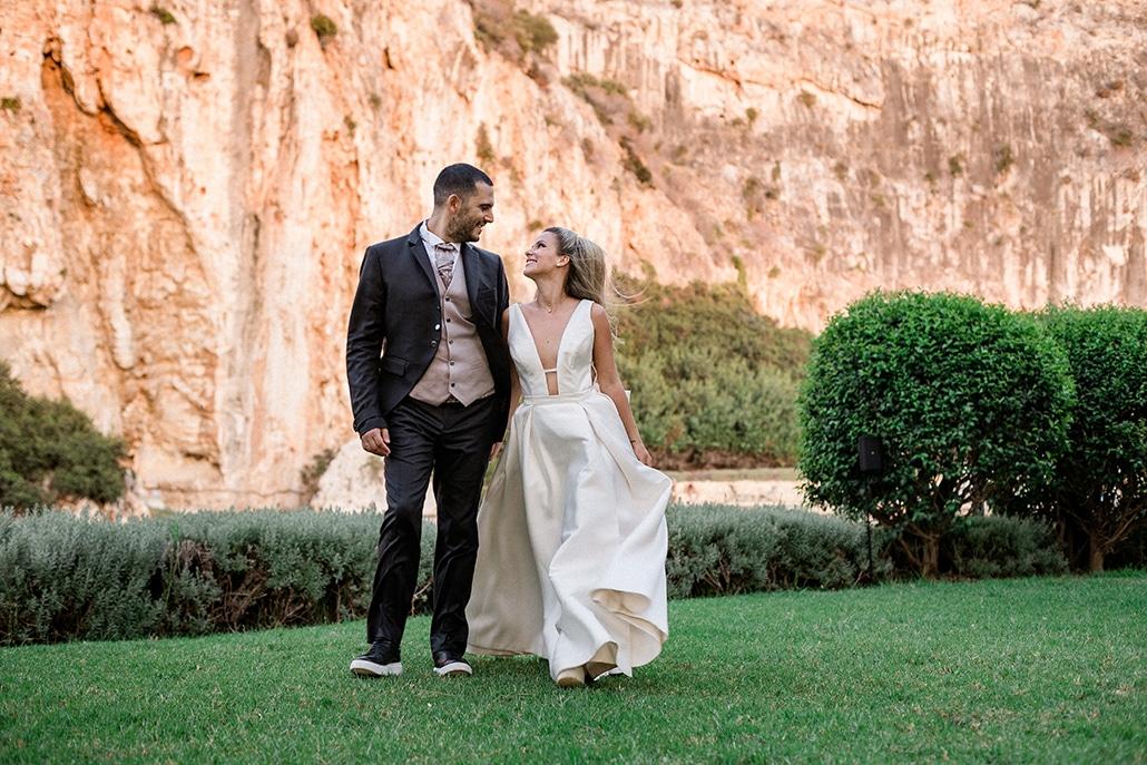 Υπέροχος καλοκαιρινός γάμος στην Αθήνα με πινελιές του χρυσού και του κοραλί │ Αμαλία & Μηνάς