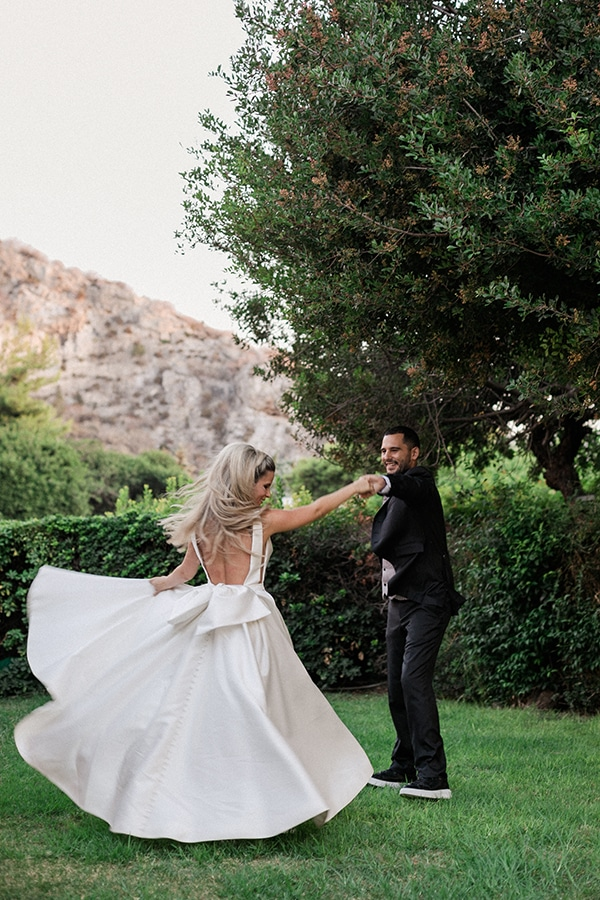 stunning-summer-wedding-athens-gold-coral-details_04