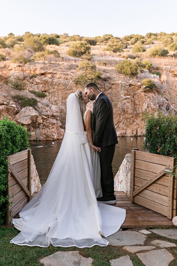 stunning-summer-wedding-athens-gold-coral-details_04x