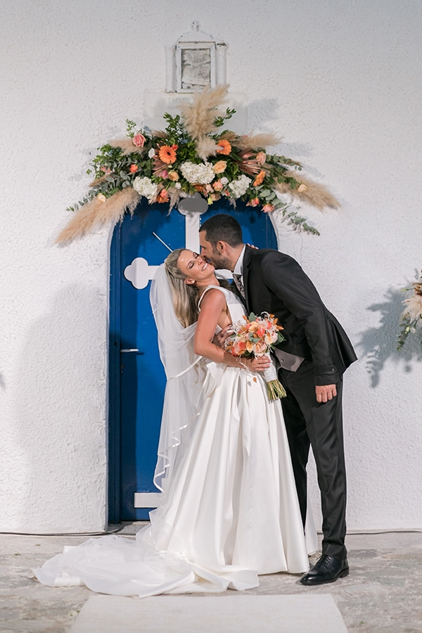 stunning-summer-wedding-athens-gold-coral-details_14