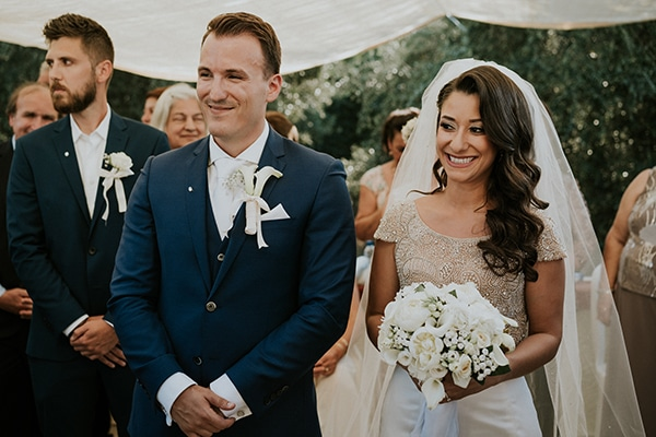 summer-traditional-wedding-crete-peonies-kalles_01