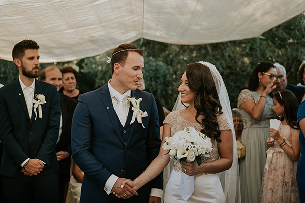summer-traditional-wedding-crete-peonies-kalles_01x