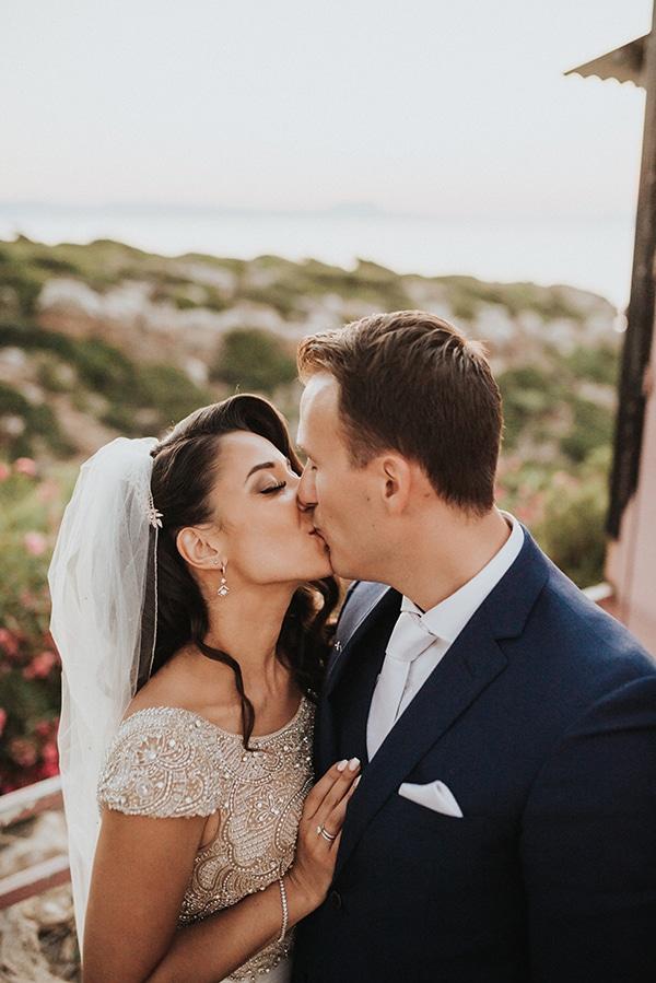 summer-traditional-wedding-crete-peonies-kalles_02