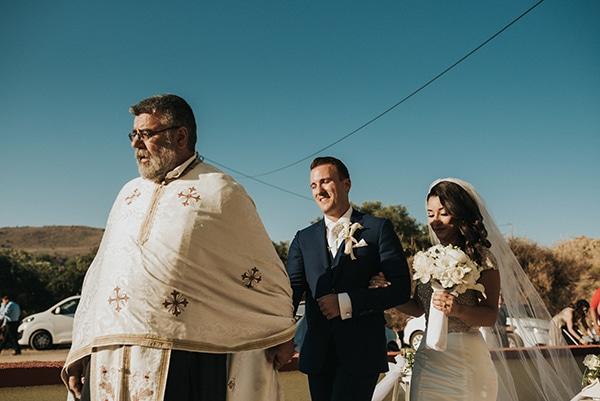 summer-traditional-wedding-crete-peonies-kalles_09