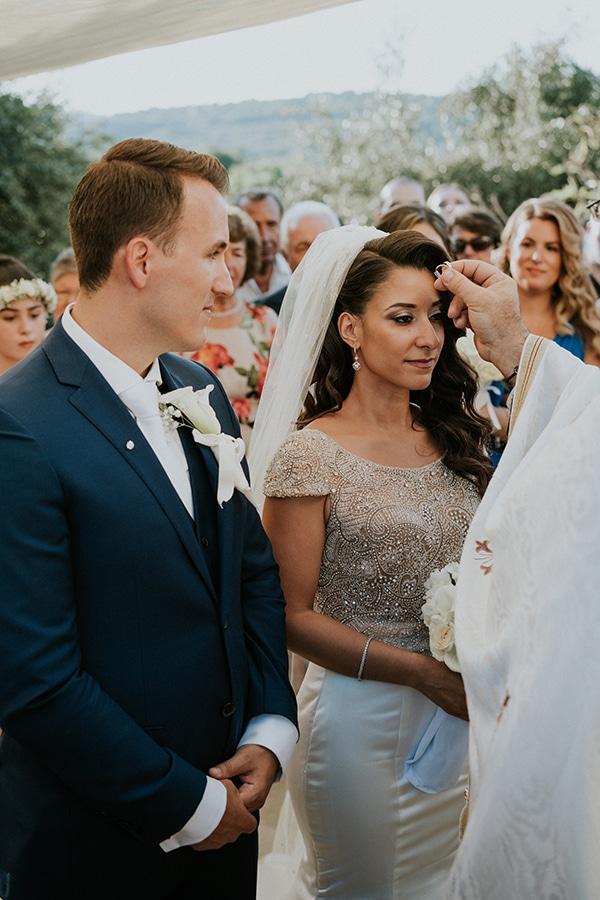 summer-traditional-wedding-crete-peonies-kalles_10