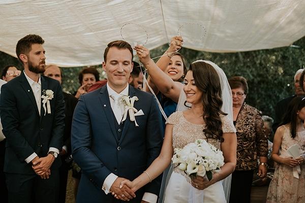summer-traditional-wedding-crete-peonies-kalles_11