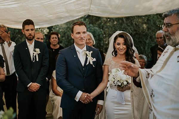summer-traditional-wedding-crete-peonies-kalles_12