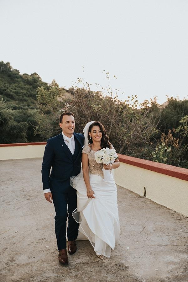 summer-traditional-wedding-crete-peonies-kalles_16
