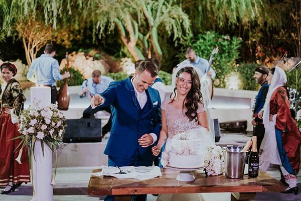 summer-traditional-wedding-crete-peonies-kalles_21