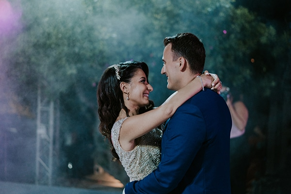 summer-traditional-wedding-crete-peonies-kalles_23