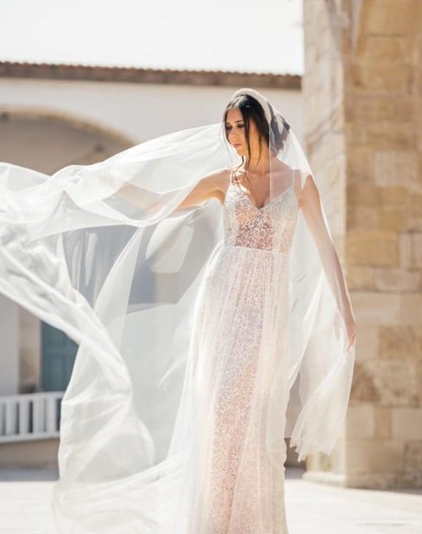 unique-wedding-dresses-impressive-bridal-look_01