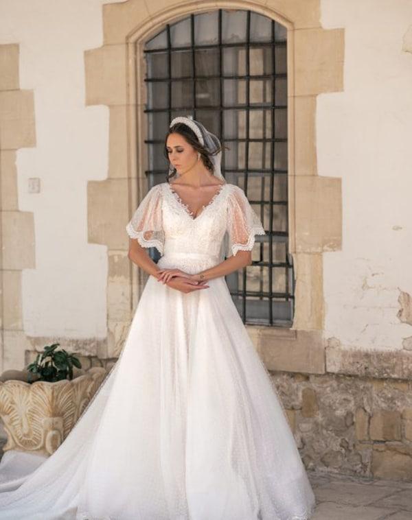 unique-wedding-dresses-impressive-bridal-look_01x