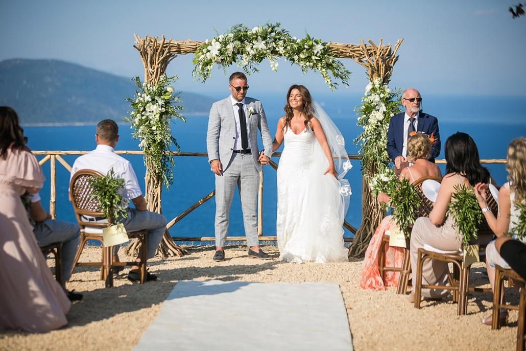 Υπέροχος καλοκαιρινός γάμος στην Κεφαλονιά με τριαντάφυλλα και άνθη ελιάς │ Έφη & Jordan