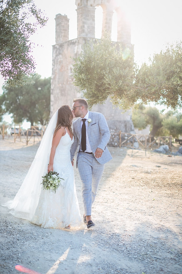 amazing-summer-wedding-kefalonia-roses-olives-blossoms-rustic-elegant_03x