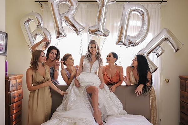 Πρωτότυπη ιδέα με μπαλόνια για την προετοιμασία της νύφης