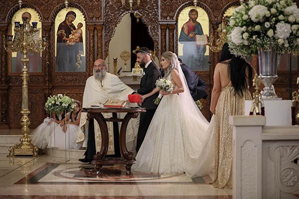 beautiful-fall-wedding-nicosia-romantic-atmosphere-all-white_08