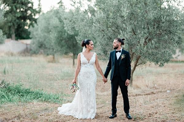 Ρομαντικός καλοκαιρινός γάμος στην Αθήνα σε όμορφους nude χρωματισμούς
