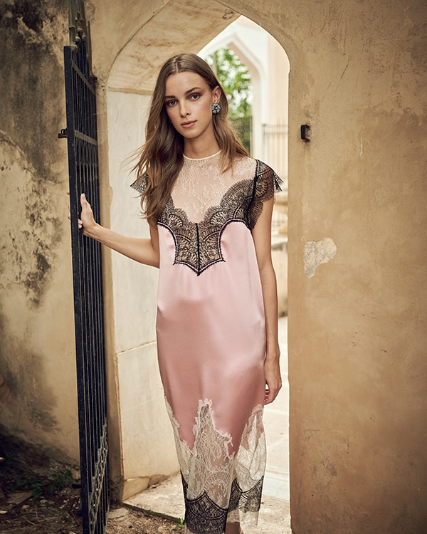 stunning-flowy-dresses-for-weddings_01x