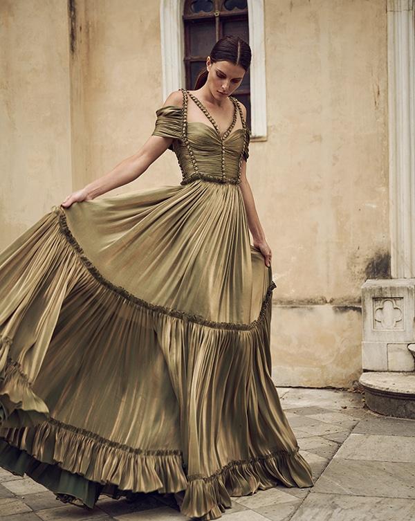 stunning-flowy-dresses-for-weddings_02