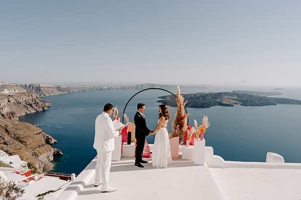 utterly-romantic-elopement-santorini-island-montern-details_09
