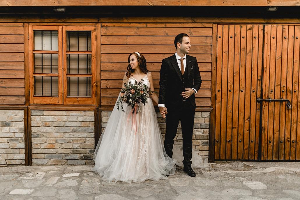 Φθινοπωρινός γάμος στη Λάρνακα με λευκές και coral αποχρώσεις ǀ Αρετή & Θεόδωρος