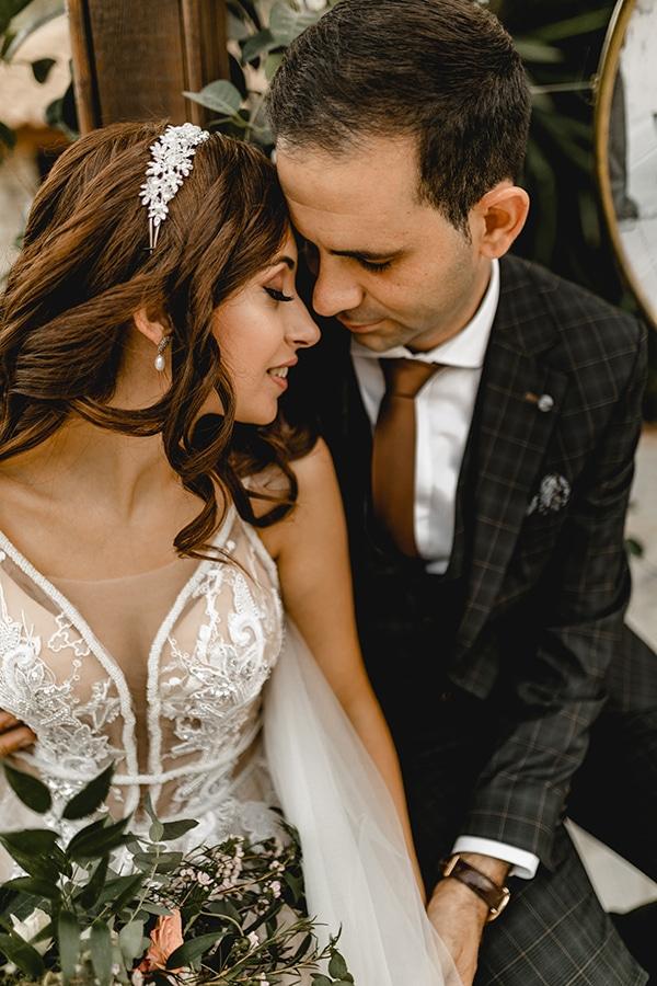autumn-wedding-larnaca-white-coral-colors_01x