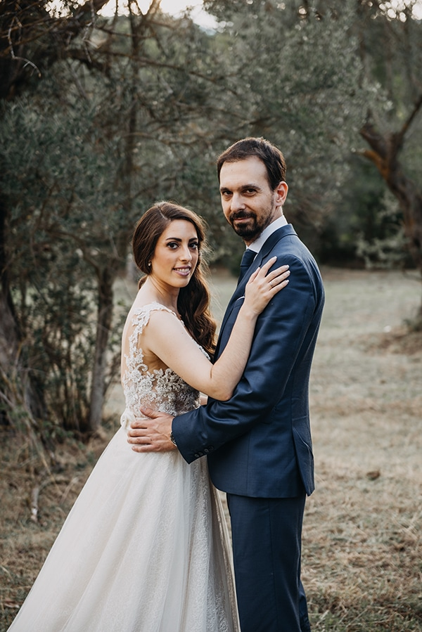 beautiful-day-after-shoot-olive-grove-most-romantic-snapshots_02x