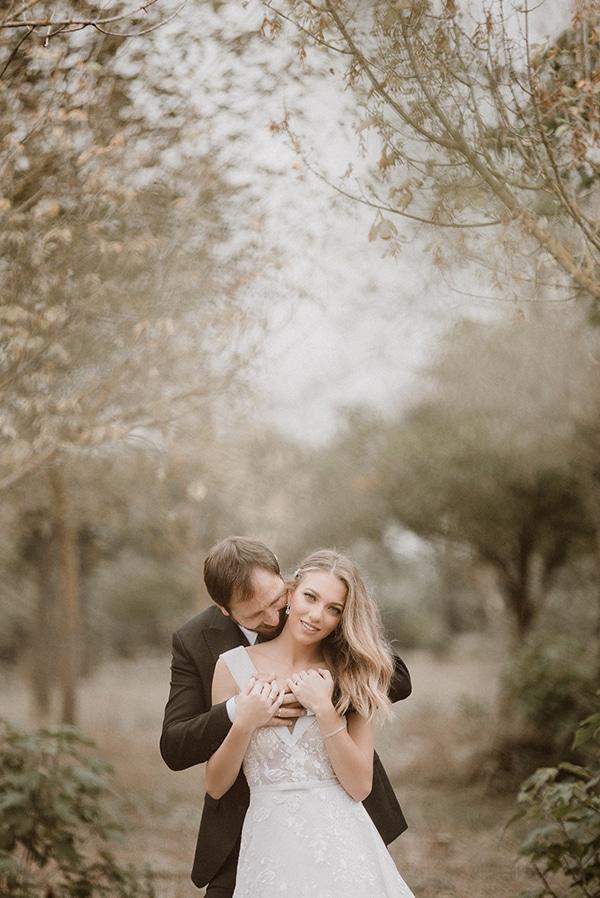 beautiful-fall-wedding-astilbes-roses_01x
