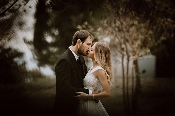 beautiful-fall-wedding-astilbes-roses_02x