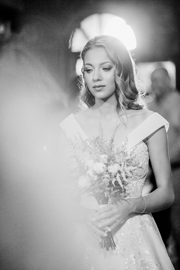 beautiful-fall-wedding-astilbes-roses_17x