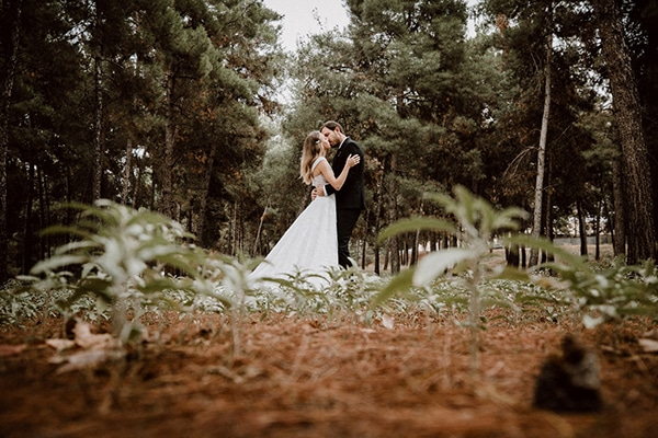 beautiful-fall-wedding-astilbes-roses_23