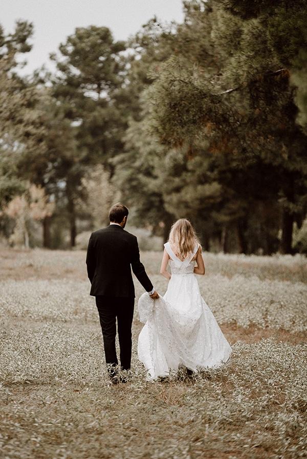 beautiful-fall-wedding-astilbes-roses_26